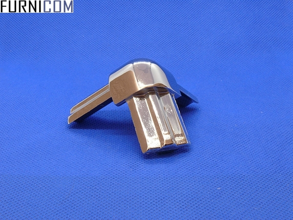 Соединитель тройной металлический 90град (с креплением)